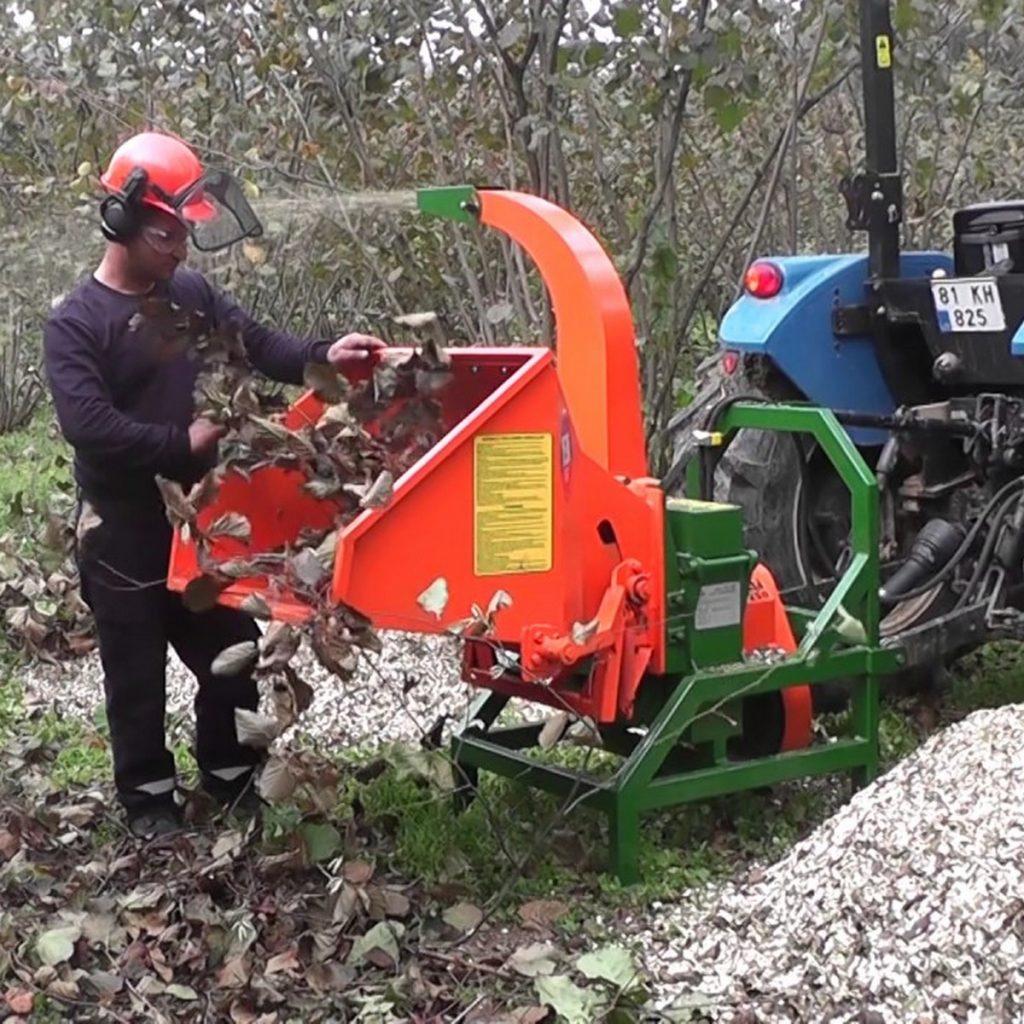 sitnilica za drvo na traktor